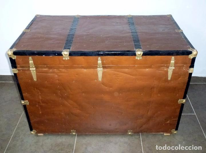 Antigüedades: Antiguo Baul De Madera Forrado De Chapa.66 X 101 X 61 Cm. - Foto 14 - 217958255