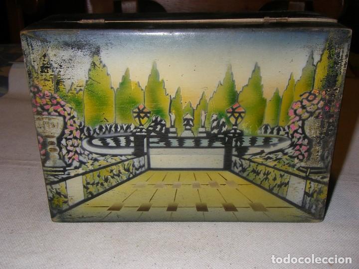 Antigüedades: Antigua y bonita caja de costura o neceser, de madera, con paisaje pintado. 20x14x7 cm, sin llave. - Foto 2 - 218053986
