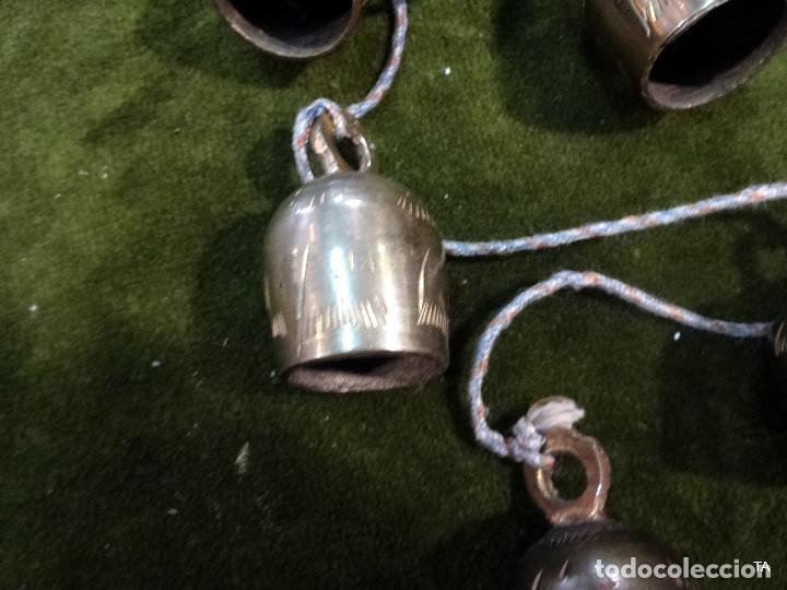 Antigüedades: ristra de cascabeles o campanas - Foto 3 - 218083960