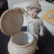 Antigüedades: PRECIOSA FIGURA FE CERAMICA ANTIGUA. Lote 218109742