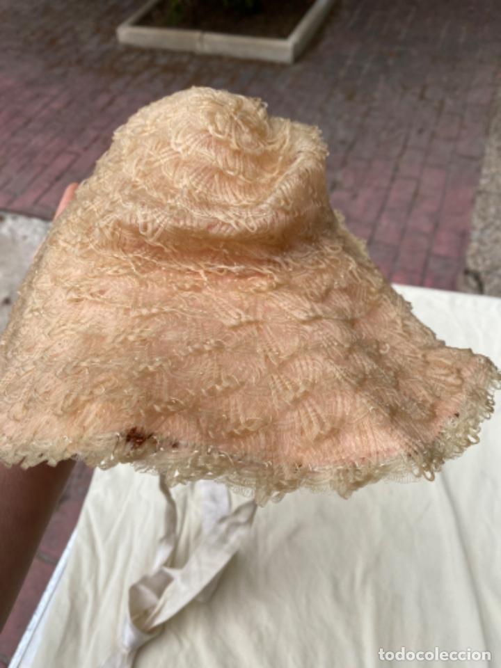 Antigüedades: Antiguo y curioso sombrero pamela infantil trenzado naylon lver fotos - Foto 3 - 218114251
