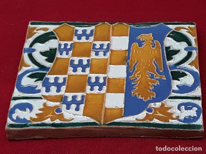 Antigüedades: AZULEJO DE CERAMICA EN ARISTA DE AGUADO - TOLEDO - HERALDICA - PIEZA UNICA: - Foto 5 - 218228438