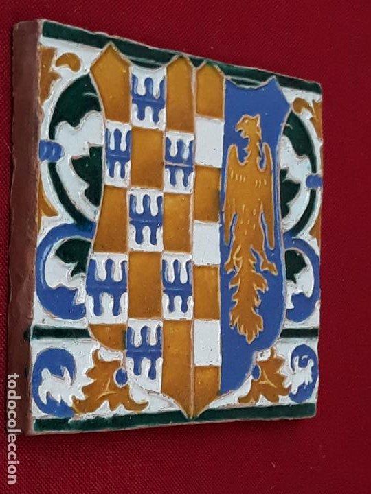 Antigüedades: AZULEJO DE CERAMICA EN ARISTA DE AGUADO - TOLEDO - HERALDICA - PIEZA UNICA: - Foto 7 - 218228438