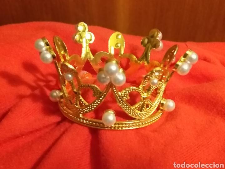 Antigüedades: Corona de metal dorado y perlas - Foto 2 - 245119545