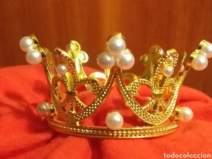 Antigüedades: Corona de metal dorado y perlas - Foto 4 - 245119545