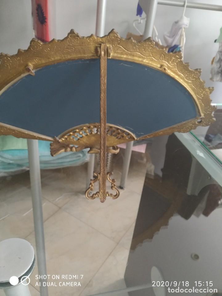 Antigüedades: Antiguo espejo abanico bronce - Foto 5 - 218279667