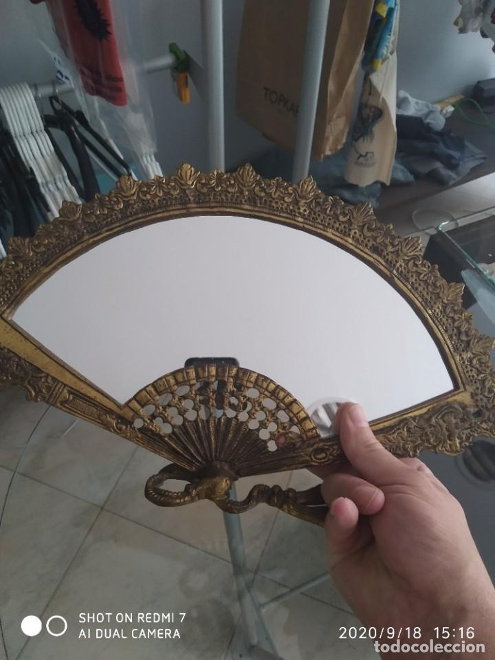 Antigüedades: Antiguo espejo abanico bronce - Foto 8 - 218279667
