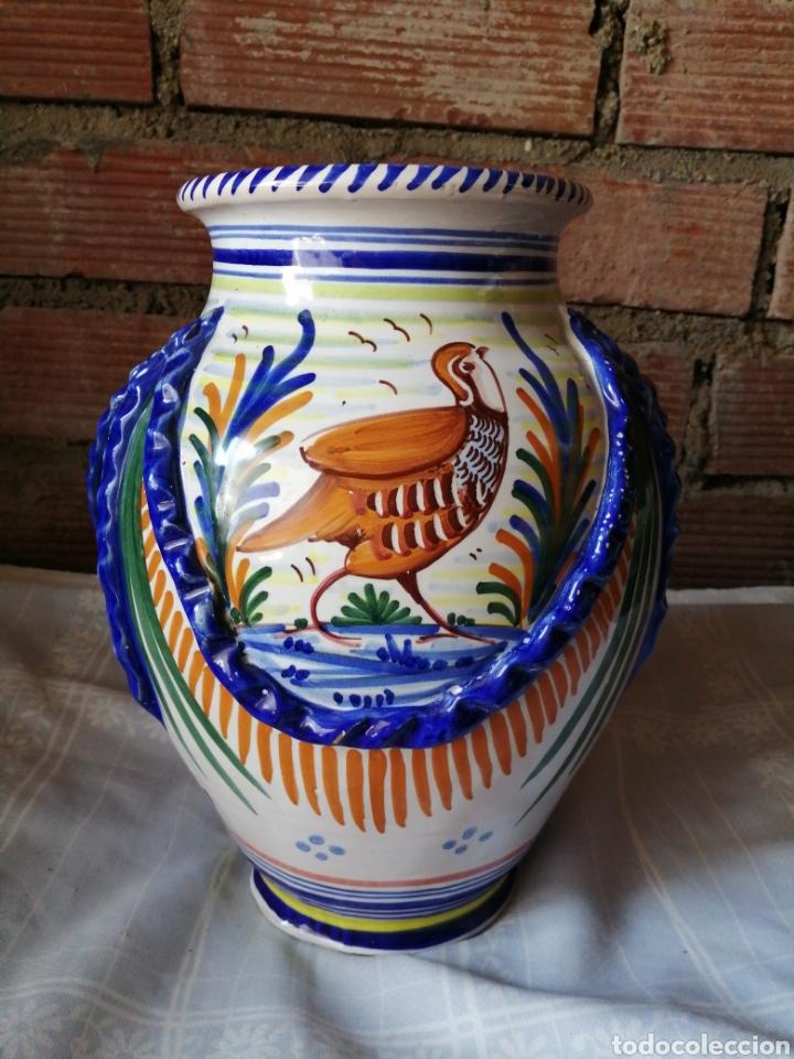 Antigüedades: Jarrón grande de ceramica Talavera - Foto 5 - 218288598