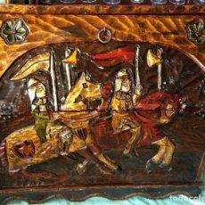 Antigüedades: GRAN ARCÓN - BAÚL - BOTELLERO - MUEBLE-BAR EN MADERA TALLADA CON MOTIVOS MEDIEVALES. Lote 218305870
