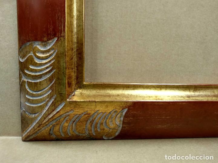 Antigüedades: Marco rojo y oro tallado 50 x 70 - Foto 5 - 218316370