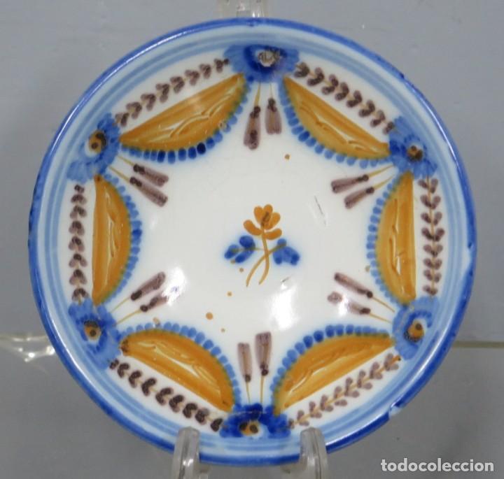 ANTIGUO PLATO DE TALAVERA. SERIE PABELLONES. SIGLO XIX (Antigüedades - Porcelanas y Cerámicas - Talavera)