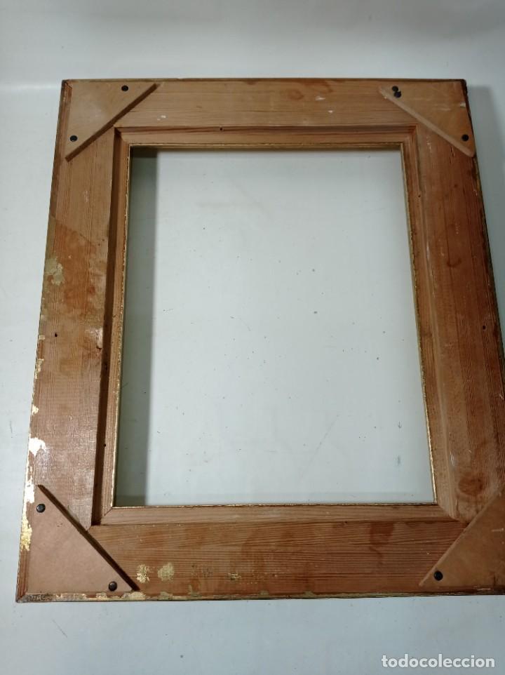 Antigüedades: Antiguo marco realizado en madera y pan de oro medidas interiores y exteriores fotografiadas - Foto 5 - 218329951