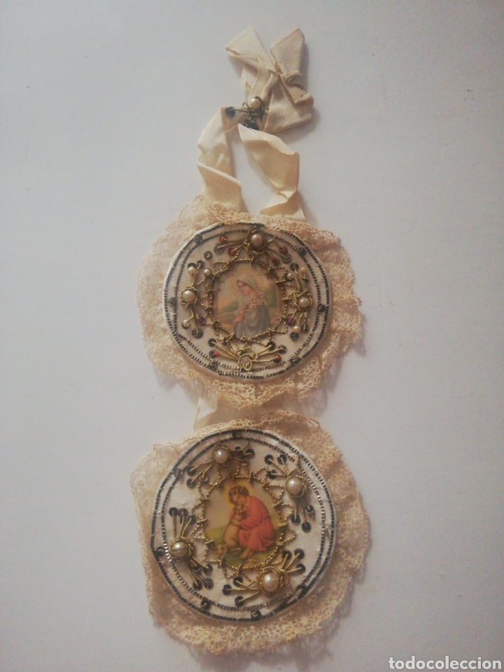 ESCAPULARIO DE CUNA BORDADO (Antigüedades - Religiosas - Escapularios Antiguos)