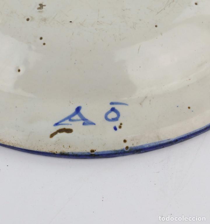 Antigüedades: PLATO DE MANISES SIGLO XIX - FIRMADO. 30 CM DIÁMETRO. - Foto 4 - 218373227