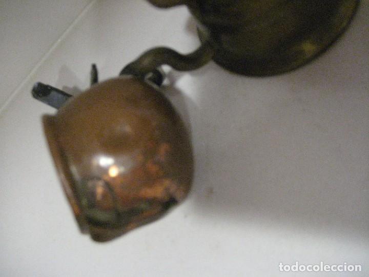 Antigüedades: 2 piezas decoracion miniatura - olla 3cm con soporte y tetera 5cm . - Foto 3 - 218398172