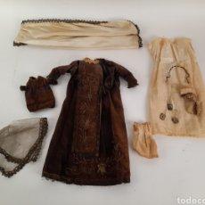 Antigüedades: VESTIDOS PARA IMAGEN RELIGIOSA, VIRGEN DEL CARMEN Y NIÑO JESUS. S.XIX.. Lote 218403971