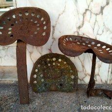 Antigüedades: ASIENTOS DE TRACTOR ANTIGUOS. Lote 218419528