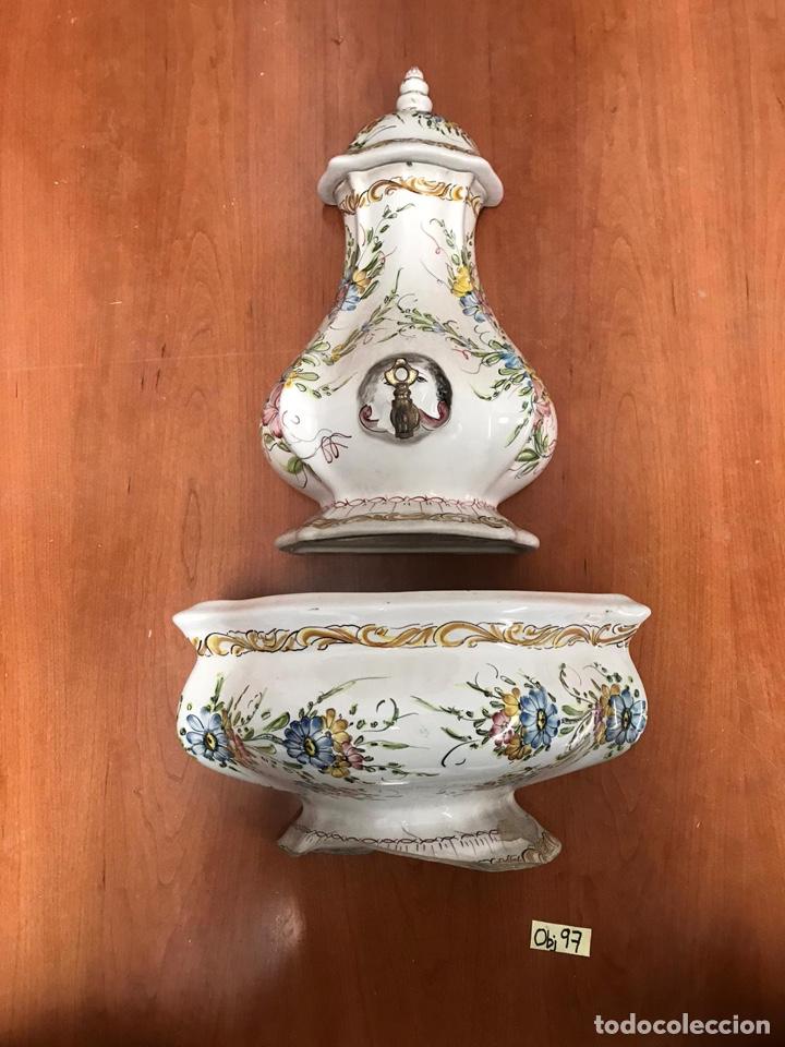 AGUAMANIL O FUENTE DE CERAMICA. PORTUGAL. SIGUIENDO MODELOS SIGLO XVIII (Antigüedades - Porcelanas y Cerámicas - Otras)