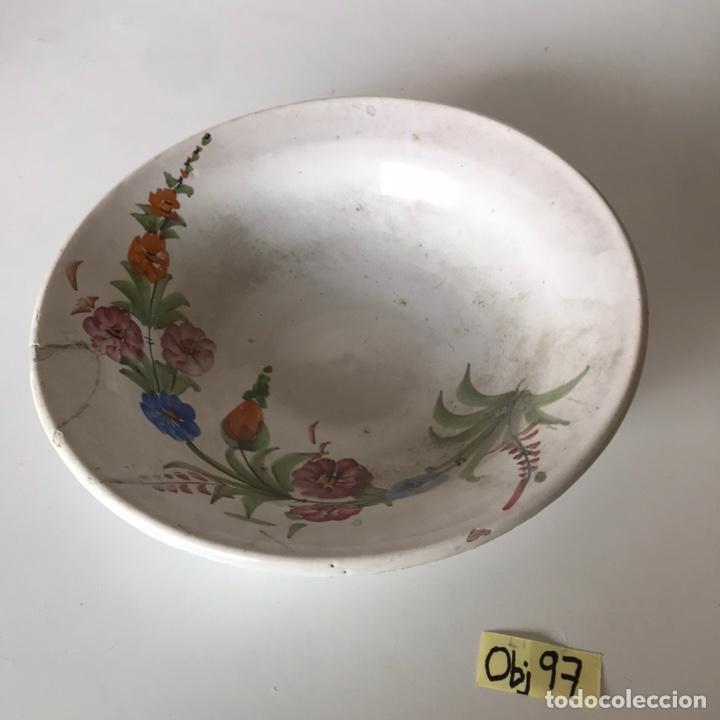 PLATO HONDO - ANTIGUA PORCELANA LARIO (Antigüedades - Porcelanas y Cerámicas - Lario)