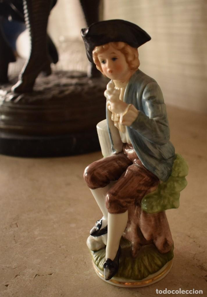 ESCULTURA DIECIOCHESCA DE NIÑO (Antigüedades - Porcelanas y Cerámicas - Otras)