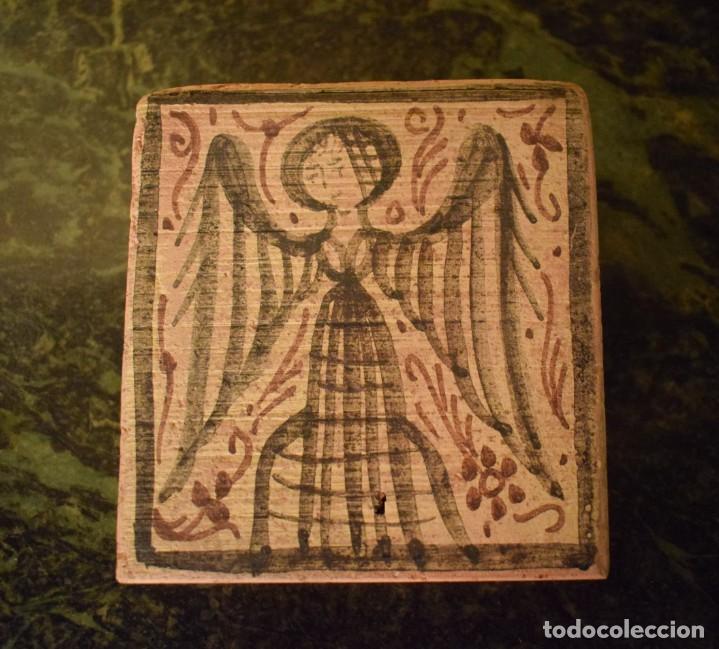 SOCARRAT QUE REPRESENTA A UN ÁNGEL (Antigüedades - Porcelanas y Cerámicas - Azulejos)