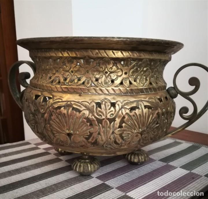 Antigüedades: Macetero bronce y latón - Foto 2 - 218475617