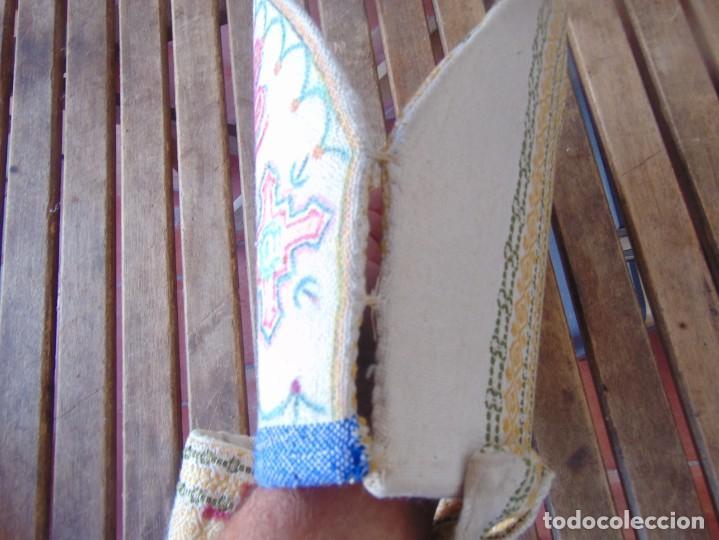 Antigüedades: MITRA DE OBISPO ?? CON SIMBOLOS PINTADOS - Foto 15 - 218486146