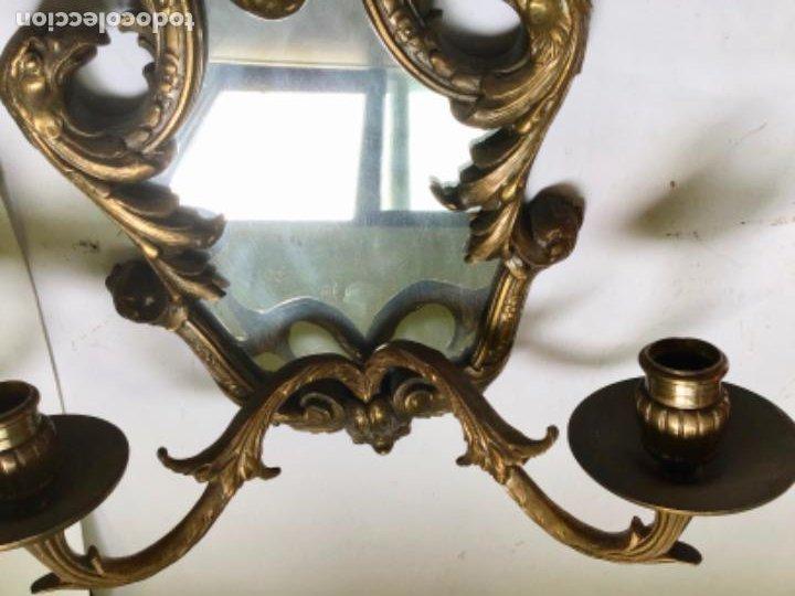Antigüedades: ANTIGUA PAREJA DE 2 APLIQUES PARA VELAS CON ESPEJO , EN BRONCE , ESTILO VENECIANO - Foto 10 - 218510638