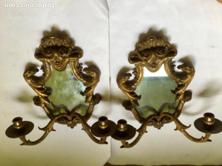 Antigüedades: ANTIGUA PAREJA DE 2 APLIQUES PARA VELAS CON ESPEJO , EN BRONCE , ESTILO VENECIANO - Foto 16 - 218510638