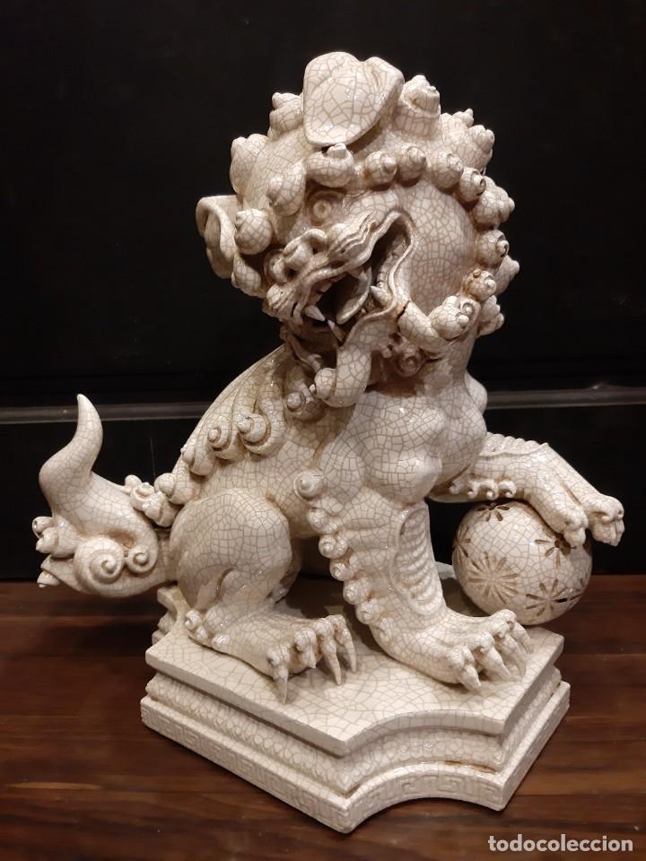 LEON CHINO FIRMADO ALGORA 40X38X25 CMS / NECESITA RESTAURACIÓN / NO ENVIO (G) (Antigüedades - Porcelanas y Cerámicas - Algora)