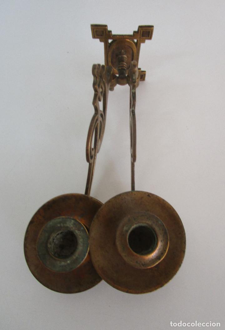 Antigüedades: Pareja de Candelabros y Asas de Piano - Art Nouveau - Bronce Cincelado - Foto 7 - 218563032