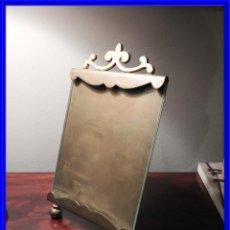 Antigüedades: MARCO DE FOTOS DE BRONCE CON COPETE. Lote 218607070