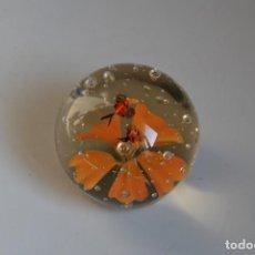 Antigüedades: BOLA DE CRISTAL DE MURANO - PISAPAPELES. Lote 218659182
