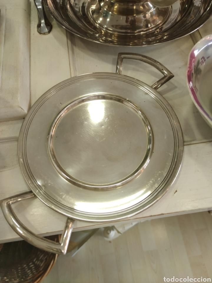 Antigüedades: Campana o plato de presentación con tapa baño de plata - Foto 4 - 218674218