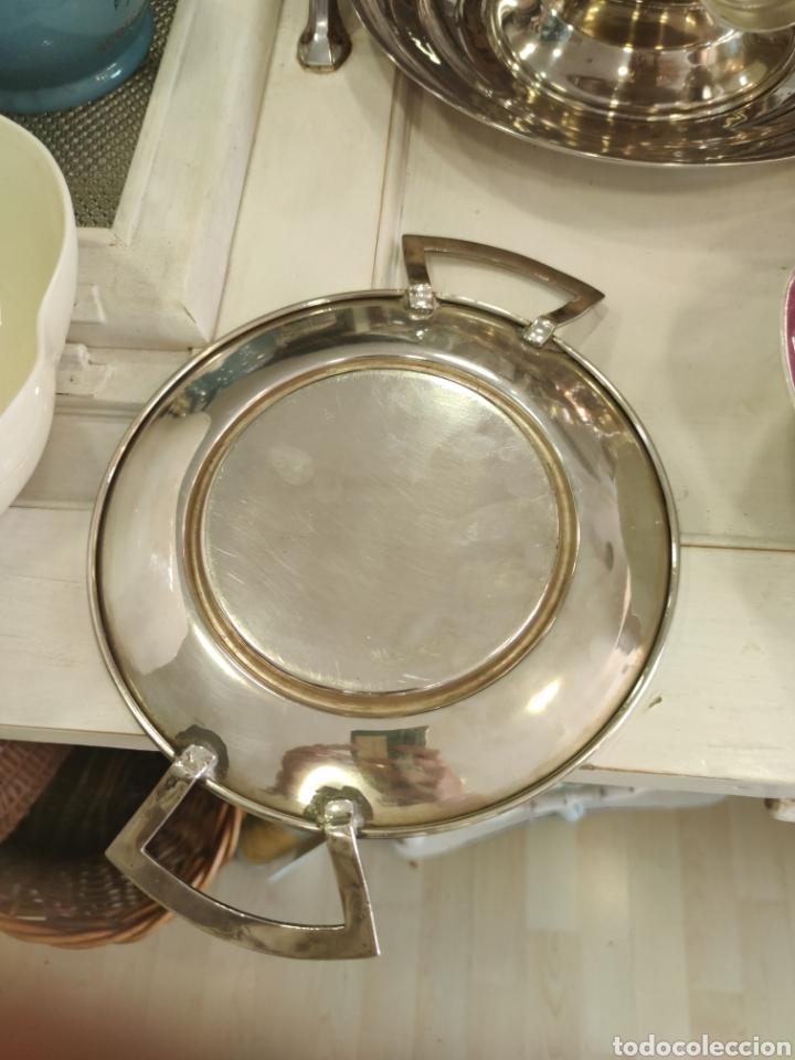 Antigüedades: Campana o plato de presentación con tapa baño de plata - Foto 5 - 218674218