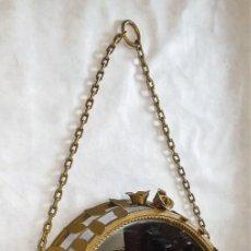 Antigüedades: PRECIOSO ESPEJO/LÁMPARA REDONDO CON MARCO METÁLICO Y MOTIVOS FLORALES - ENVÍO GRATIS PENÍNSULA. Lote 218674377
