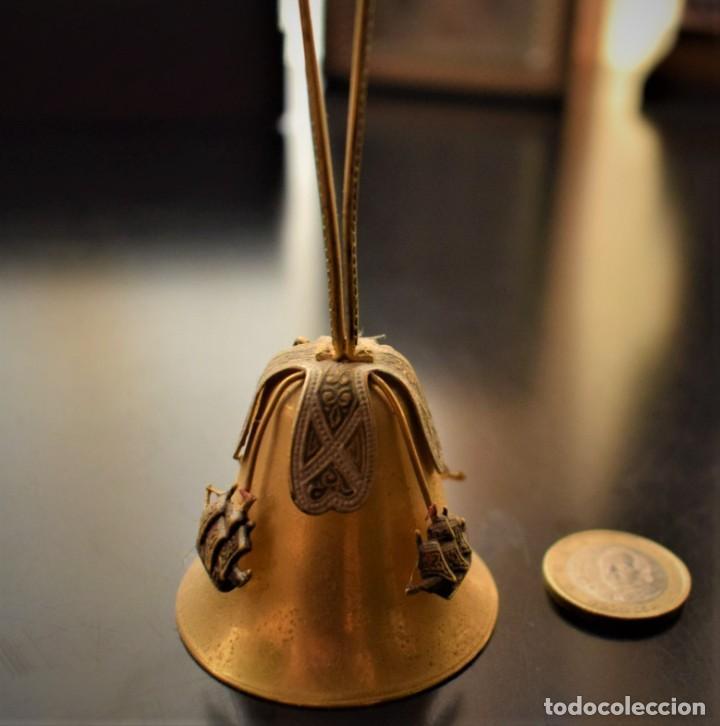 Antigüedades: Antigua campanita con las tres carabelas - Foto 2 - 218682506