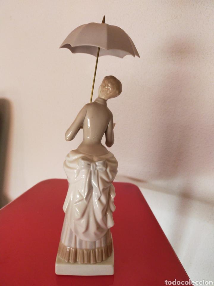 Antigüedades: Dama del paraguas lladró - Foto 4 - 218704825
