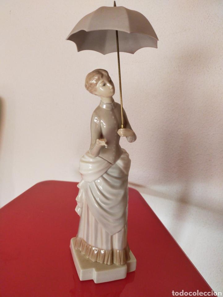 DAMA DEL PARAGUAS LLADRÓ (Antigüedades - Porcelanas y Cerámicas - Lladró)