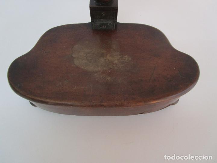 Antigüedades: Curioso Mueble Auxiliar - Soporte para Escupidera - Madera de Caoba - S. XIX - Foto 5 - 218711168