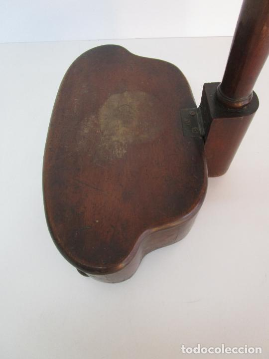 Antigüedades: Curioso Mueble Auxiliar - Soporte para Escupidera - Madera de Caoba - S. XIX - Foto 12 - 218711168