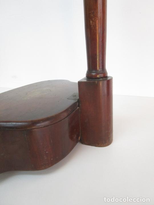 Antigüedades: Curioso Mueble Auxiliar - Soporte para Escupidera - Madera de Caoba - S. XIX - Foto 14 - 218711168
