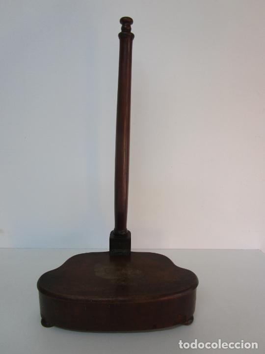 Antigüedades: Curioso Mueble Auxiliar - Soporte para Escupidera - Madera de Caoba - S. XIX - Foto 25 - 218711168