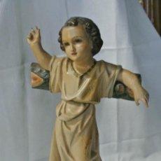 Antigüedades: FIGURA EN ESTUCO DE OLOT. NIÑO JESÚS DE LA CRUZ. Lote 218715748