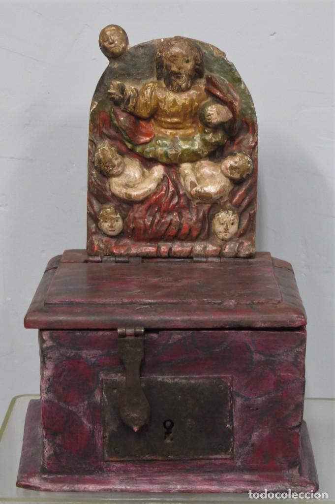 ANTIGUO LIMOSNERO DE MADERA TALLADA. SIGLO XVIII (Antigüedades - Religiosas - Varios)