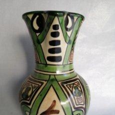 Antigüedades: BONITA JARRA JARRÓN DE CERAMICA ANTIGUA PUNTER TERUEL FIRMADO. Lote 100594996