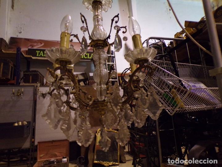 Antigüedades: antigua lampara bronce y cristal con lagrimas 5 luces, funcionando - Foto 3 - 218775858