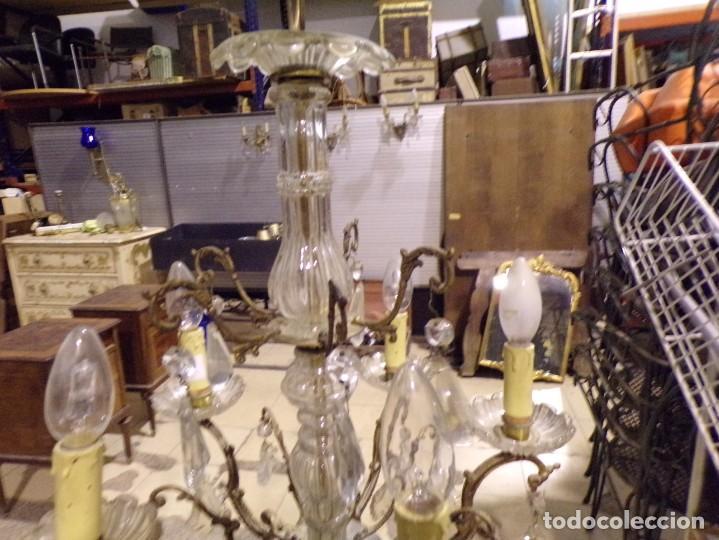Antigüedades: antigua lampara bronce y cristal con lagrimas 5 luces, funcionando - Foto 5 - 218775858