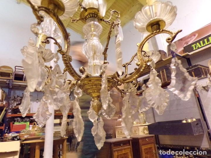 Antigüedades: antigua lampara bronce y cristal con lagrimas 5 luces, funcionando - Foto 7 - 218775858