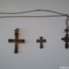 Antigüedades: LOTE DE 3 CRUCES EN METAL.. Lote 218778025